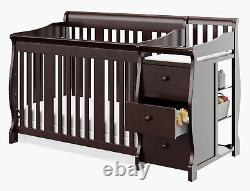 Convertible Baby Crib 4-in-1 Convertible Crib and Changer with 3 Clothes Drawers