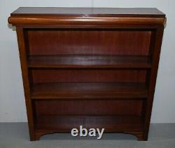 Pair Of English Mahoagny Dwarf Open Corner Bookcases Simple Country Furniture