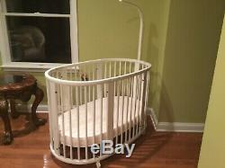 Stokke Sleepi Crib 2 in 1. White. Excellent condition. A lot of accessories